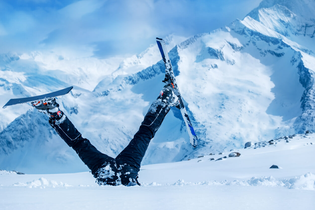 5 Common Ski/Snowboarding Injuries & How PT Can Help