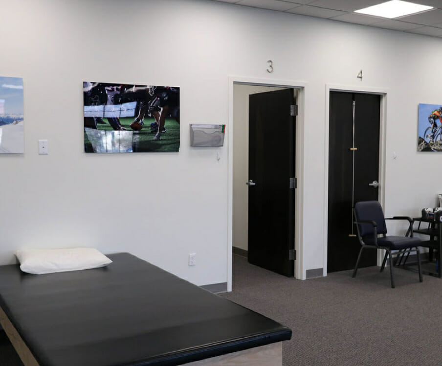 orthopedic physical therapy exam room in Murray