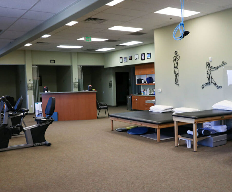Riverton sports physical therapy gym