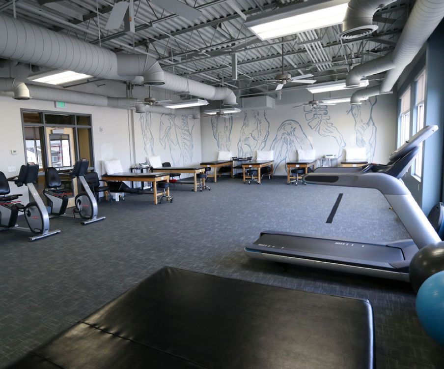 spacious state-of-the-art physical therapy gym in South Jordan